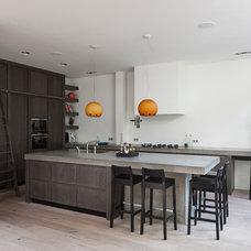 Contemporary Kitchen by LEICHT New York / LEICHT Westchester