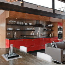 Industrial Kitchen by Dyna Contracting