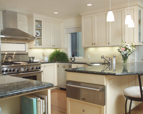 Traditional Kitchen Ideas   Traditional U Shaped Kitchen Idea In San  Francisco With Recessed  Part 90