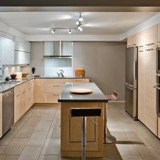Contemporary Kitchen by Jenesys Buildings