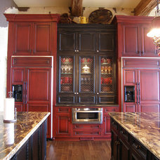 Traditional Kitchen by E3 Cabinets & Design