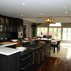 Modern Kitchen by E3 Cabinets & Design
