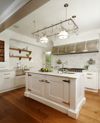 American Traditional Kitchen by Joseph Mosey Architecture, Inc.