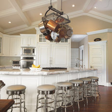Traditional Kitchen by Barton Woodworks