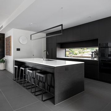 E&S INDOOROOPILLY