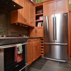 Contemporary Kitchen by Mountainwood Homes