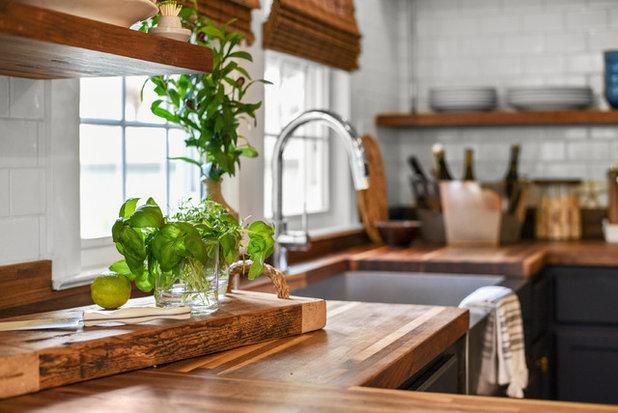 Beach Style Kitchen by Robyn McQuiston Design