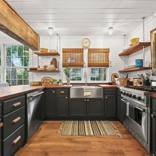 Beach Style Kitchen Pictures Coastal U Shaped Medium Tone Wood Floor And Brown