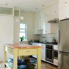 Transitional Kitchen by WHIPPLE | CALLENDER ARCHITECTS