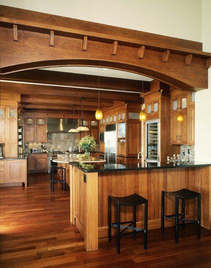 Traditional Kitchen by B&B Custom Builders