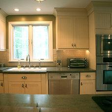 Contemporary Kitchen by Kitchen Tech