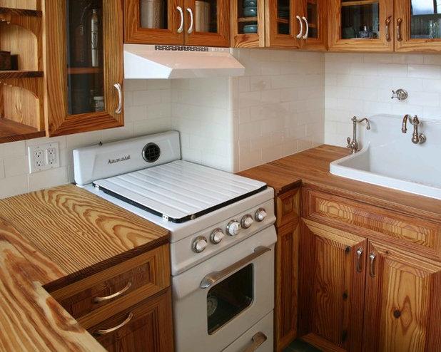 Traditional Kitchen by Grant Davis Thompson, INC.