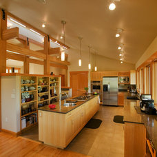 Asian Kitchen by Copeland Architecture & Construction Inc