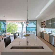 Modern Kitchen by JKRC- Jason Klinge Residential Contracting