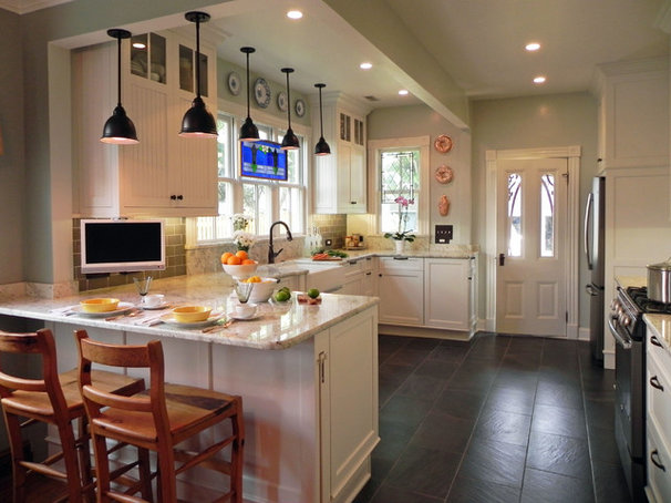 Farmhouse Kitchen by Tina Colebrook Architect