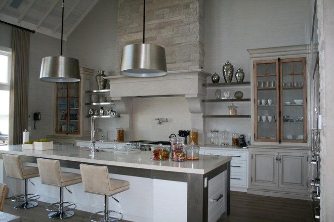Rustic Kitchen by Bellini Custom Cabinetry Ltd.