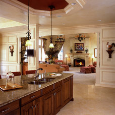 Traditional Kitchen by Diane Burgoyne Interiors