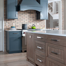 Contemporary Kitchen by Mike Schaap Builders