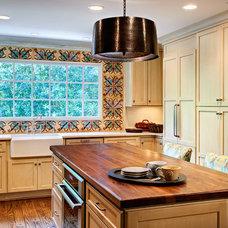 Traditional Kitchen by DeRhodes Construction