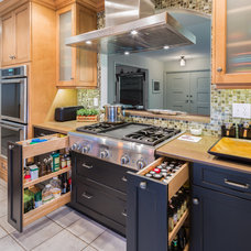 Eclectic Kitchen by EPOCH SOLUTIONS INC