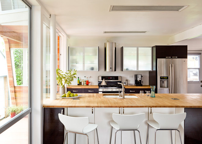 Eclectic Kitchen by doon Architecture of the Hamptons PC