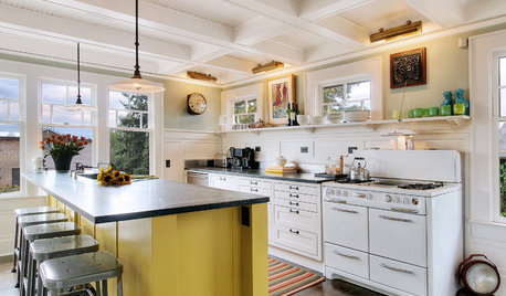 9 Yummy Yellow Kitchen Islands