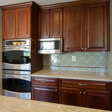 Traditional Kitchen by Signature Kitchens, Additions & Baths
