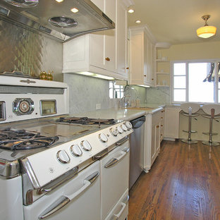 Eclectic kitchen ideas - Inspiration for an eclectic kitchen remodel in Los Angeles