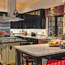 Traditional Kitchen by Dettaglio Interior Design