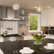 Contemporary Kitchen by REIER Construction