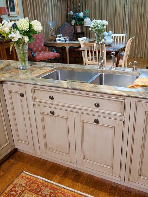 ... Wellborn Cabinet Reviews By Eclectic Eat In Kitchen Design Ideas  Renovations Amp Photos ...