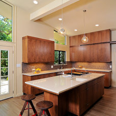 Modern Kitchen by Kerrie L. Kelly