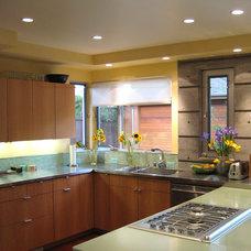 Modern Kitchen by Rich Mathers Construction, Inc.