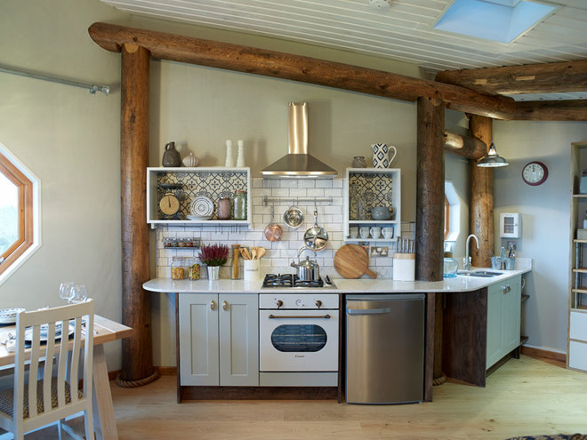 Rustic Kitchen by Cream & Black Interior Design