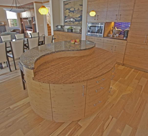Asian Kitchen by Melinamade Interiors