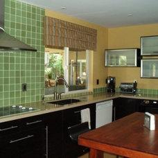 Modern Kitchen by S Interior Design