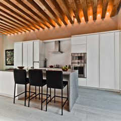 contemporary kitchen by Alexandre Parent