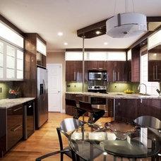Modern Kitchen by EDBA HOME RESOURCE
