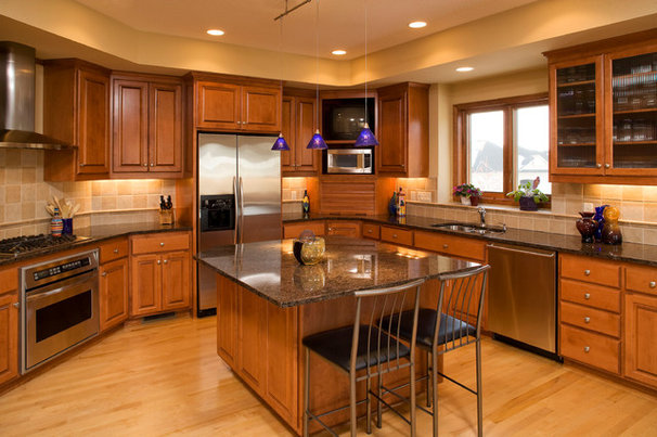 Traditional Kitchen by DURST & GANS BUILDING CORP