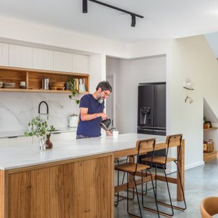 Design ideas for a mid-sized scandinavian kitchen in Wollongong.