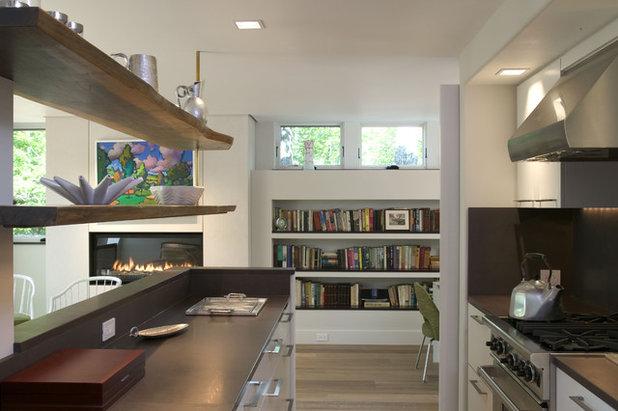 Modern Kitchen by Knight Associates