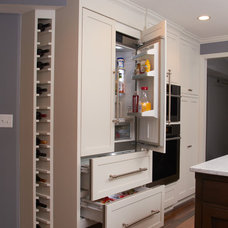 Contemporary Kitchen by haute kitchens
