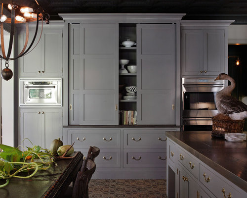 Elegant U Shaped Eat In Kitchen Photo In San Francisco With Shaker Cabinets,