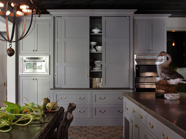 Traditional Kitchen by HSH Interiors
