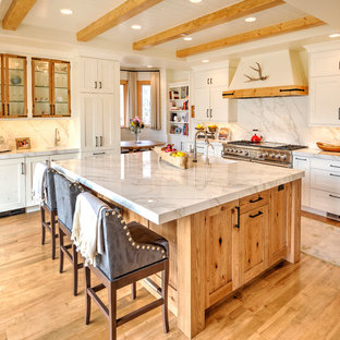 Honey Oak Kitchen Cabinets Photos Farmhouse Houzz