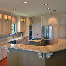 Traditional Kitchen by Chip's Kitchens & Baths