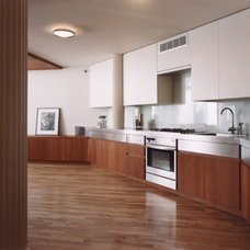 Contemporary Kitchen by Specht Harpman Architects