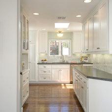 Traditional Kitchen by Stewart Thomas LLC