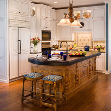 Contemporary Kitchen by Texas Construction Company