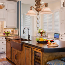 Traditional Kitchen by Texas Construction Company